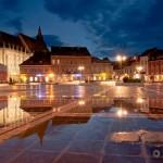 Piata-Sfatului-Brasov-Romania theknot com