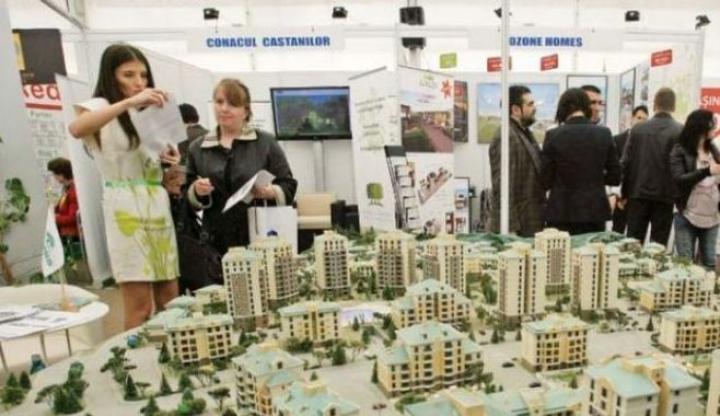 Peste 25 de expozanţi sunt prezenţi la cea de-a 8 a ediţie a Târgului Imobiliar Braşov