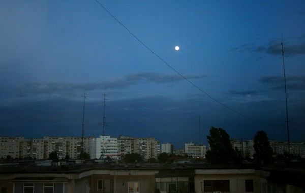 luna-noaptea-nori-meteo-vremea.pg