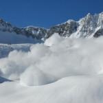 risc-insemnat-de-avalan-e-in-muntii-bucegi-si-pe-versantul-nordic-din-masivul-fagaras-18499864