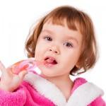 copil-spalat-dinti