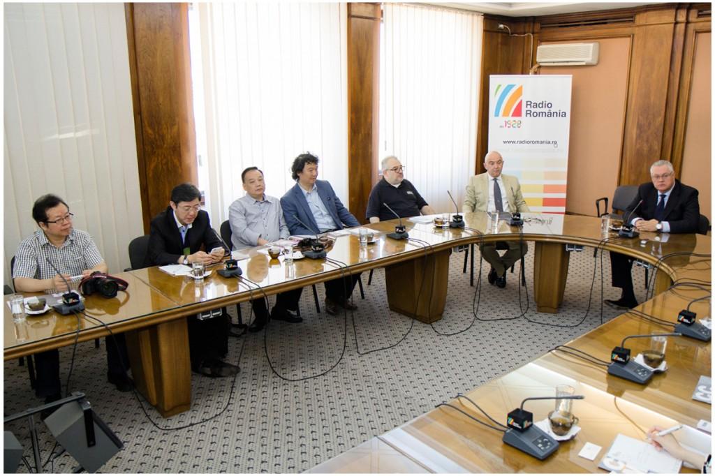Delegatie din China la Radio Romania2 Foto Alexandru Dolea