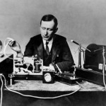 Guglielmo_Marconi_1901_wireless_signal