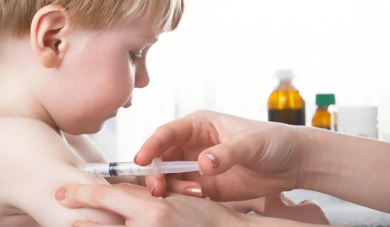 bebelus-vaccin
