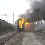 tren_de_pasageri_in_flacari_la_timisoara_101519_1_90639000