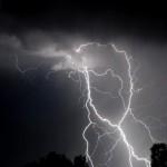 avertizare-anm-cod-galben-de-ploi-si-descarcari-electrice