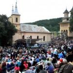 pelerinaj-la-manastirea-nicula
