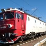 CFR_class_40_red_locomotive