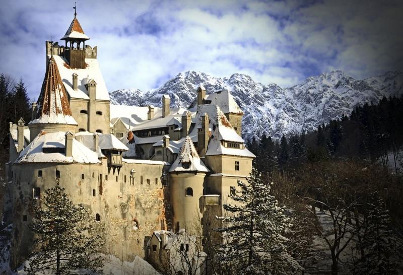 castelul bran home_winter