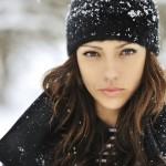 femeie_in_haine_de_iarna