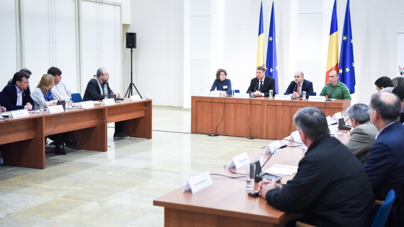 dezbatere_-_eliminarea_taxei_radio-tv_-_biblioteca_nationala_10_nov_2016_8-800x450