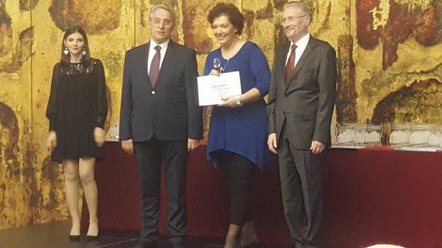 Flavia Voinea alături de președintele Camerei de Comerț a Municipiului București, Sorin Dimitriu, și fostul președinte al țării, Emil Constantinescu