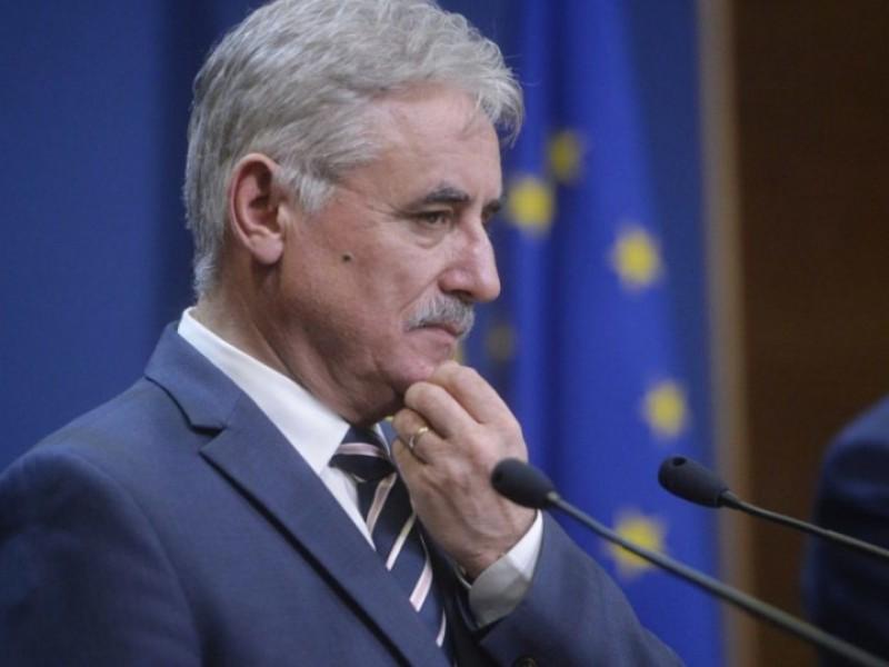 Vicepremierul Viorel Ştefan, propus ministru interimar al Cercetării şi Inovării