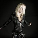 5 noiembrie 1974 - Angela Gossow, cântăreață germană, solista trupei suedeze de death metal ''Arch Enemy'' (rockaxis.com)