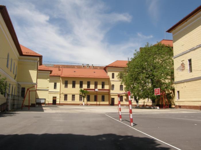 Colegiul  Naţional 'Unirea' din Brașov