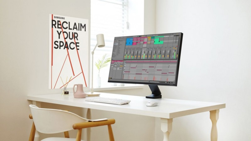 info gadget monitor ergonomic