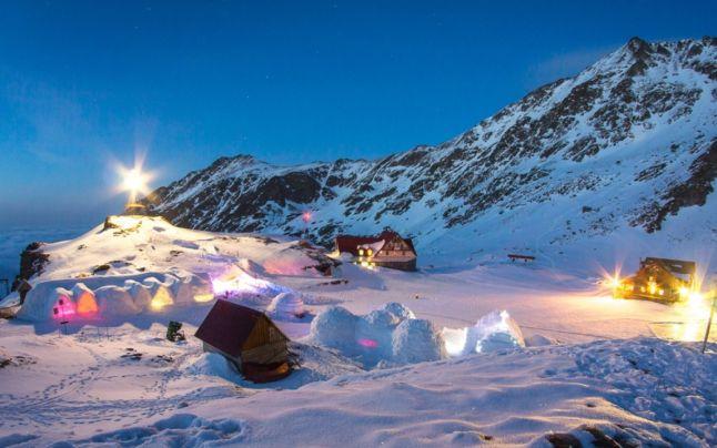 Competiție de fotbal pe gheaţă, pe Lacul Bâlea