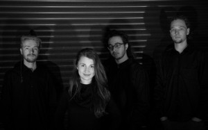 Ineffable Regián Réka Kata – voce, flaut; Lukács Márton-Örs – clape; Szereceán Tihamér –chitara bas/SynthBass și Szereceán Osszián – Tobe