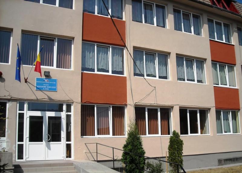 Sursa foto: facebook.com/pg/Scoala-Gimnaziala-Alexandru-Ioan-Cuza-Tg-Mures