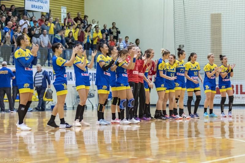 Foto-CSM Corona Brasov - echipa de handbal feminin/facebook