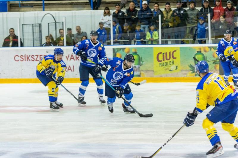 Sursa foto: Sport Club Csíkszereda – CSM Corona Brasov