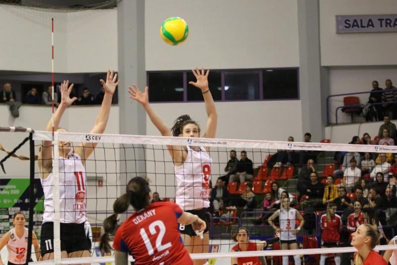 CSM Volei Alba Blaj – Vasas Óbuda Budapest 3-0, volei feminin (Sursa foto: cev.eu)
