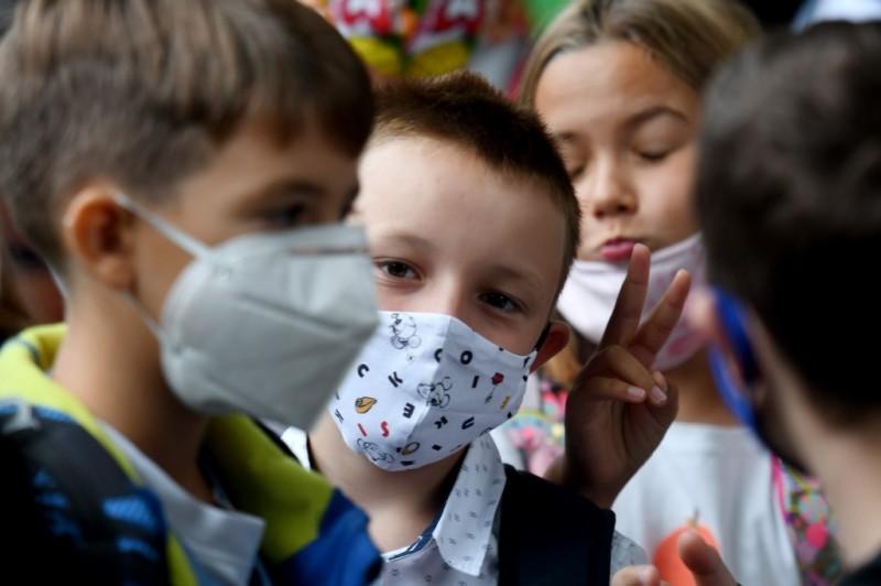 Elev masca scoala CROATIA-HEALTH-VIRUS
