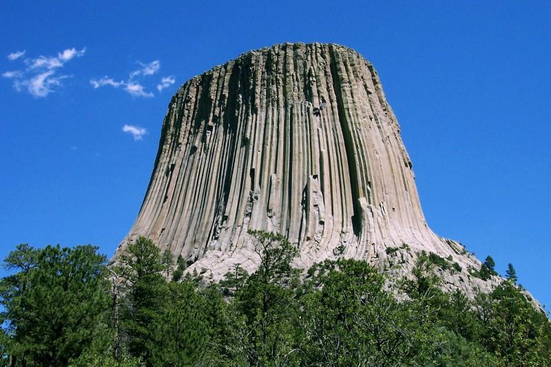 24 septembrie 1906 - ''Devils Tower'' devine primul monument natural naţional al SUA (Sursa foto: wikimedia.org)