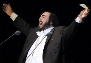 12 octombrie 1935 - Luciano Pavarotti, tenor italian (Foto: EFE- Marcos Delgado, by urbicande.fr)