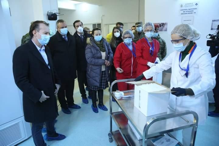 """💉Primele 10.000 de doze de vaccinuri împotriva COVID-19 au ajuns la Institutul """"Cantacuzino"""""""